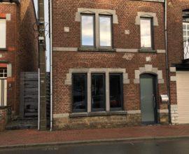 Maison entièrement rénovée 3 ch. avec grande cour et annexe